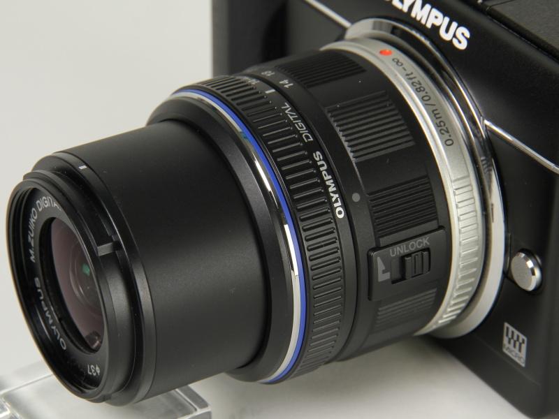 <b>E-PL1sの標準ズームレンズは「M.ZUIKO DIGITAL 14-42mm F3.5-5.6 II」</b>