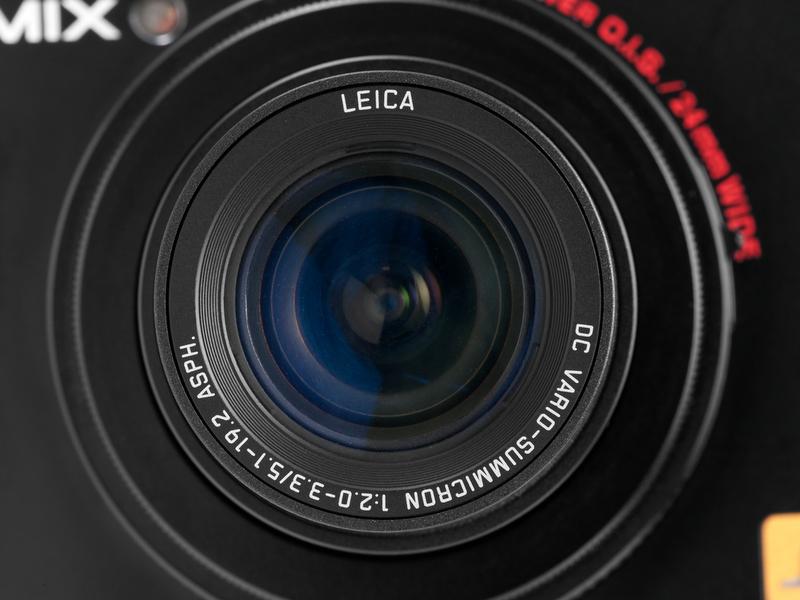 <b>【LUMIX DMC-LX5】この機種だけ広角寄りの24-90mm相当で、F2-3.3と明るめのスペック</b>