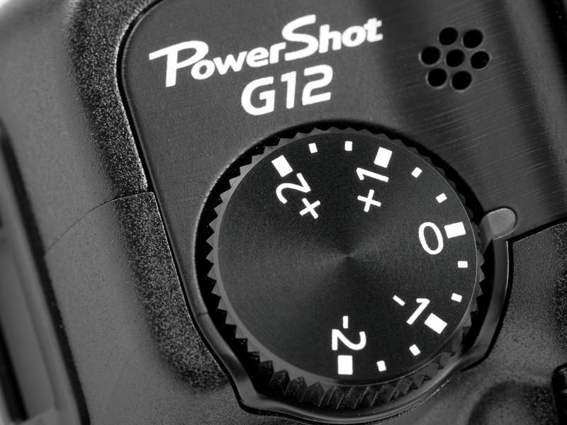 <b>【PowerShot G12】左手側肩にある露出補正ダイヤル。個人的にはとても操作しづらい場所だと思う</b>