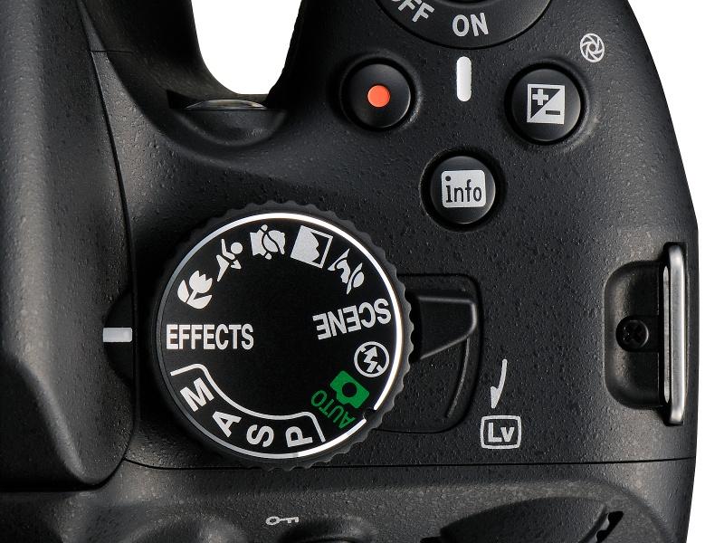 <b>新設の「スペシャルエフェクトモード」は、モードダイヤルの「EFECTS」から選べる</b>
