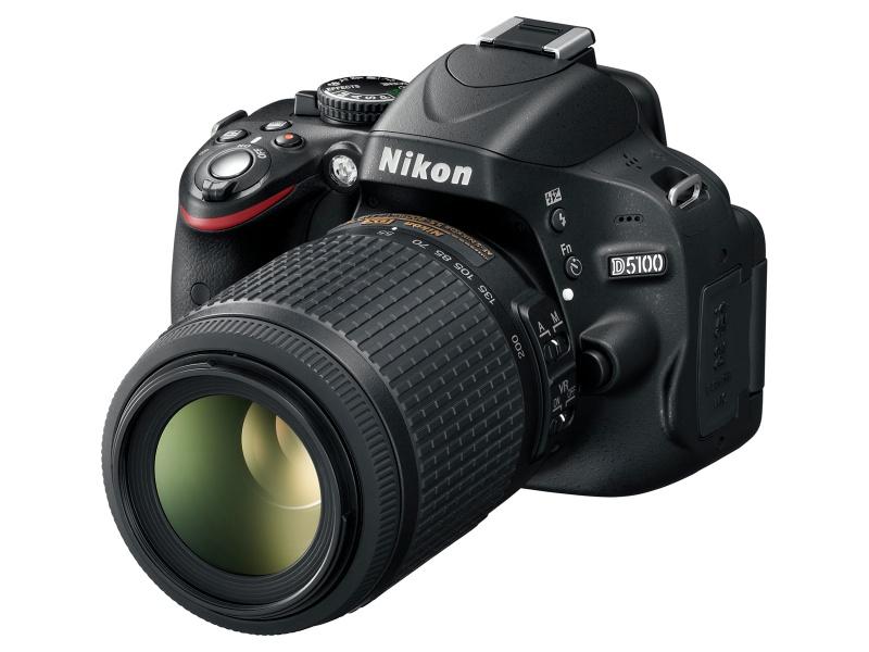<b>AF-S DX NIKKOR 55-300mm F4.5-5.6 G ED VR装着例</b>