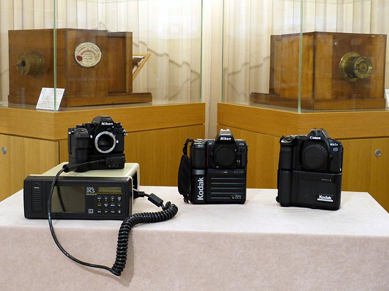<b>左からDCS100、DCS200、EOS-DCS(撮影:豊田堅二氏)</b>