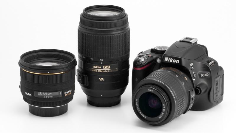 <b>D5100とAF-S DX 18-55mm F3.5-5.6 G VR、AF-S DX 55-300mm F4.5-5.6 G ED VR、シグマ50mm F1.4 EX DG HSM</b>