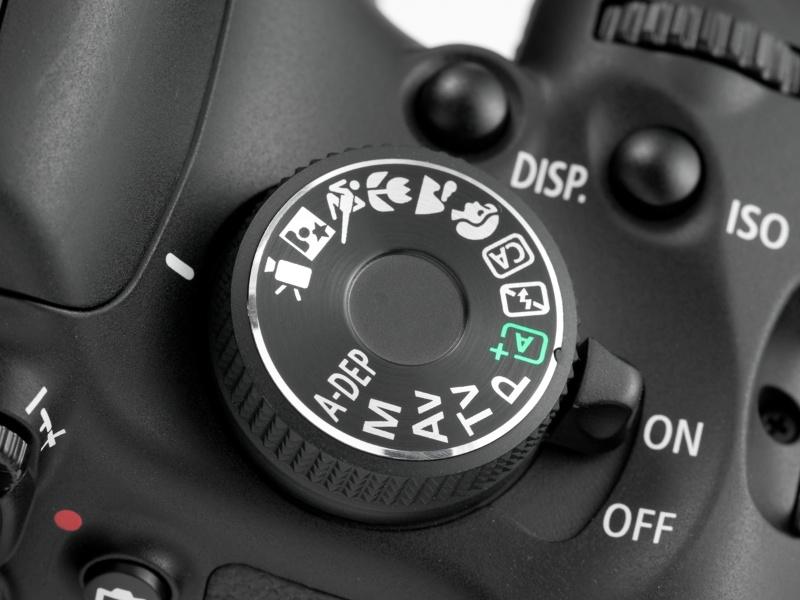 <b>【EOS Kiss X5】D5100にはない動画モード。モードダイヤルはフリー回転じゃないので、Avモードとかからだと回すのがかなり大変</b>