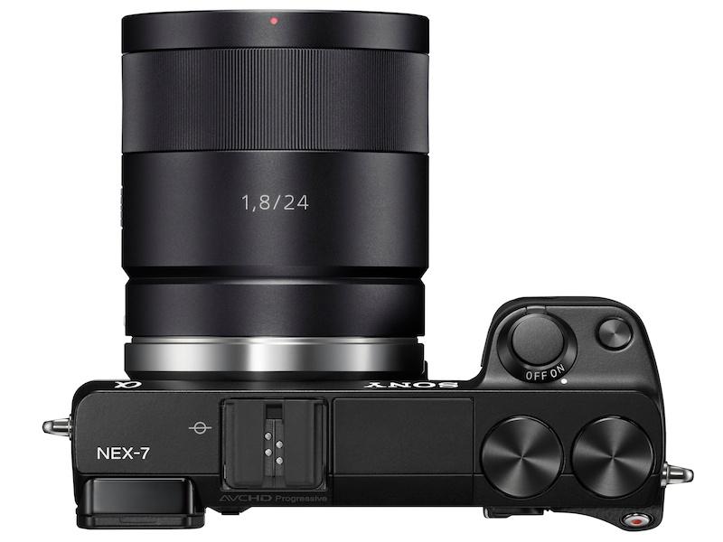 <b>Sonnar T* E 24mm F1.8 ZA(12月上旬発売)装着例</b>
