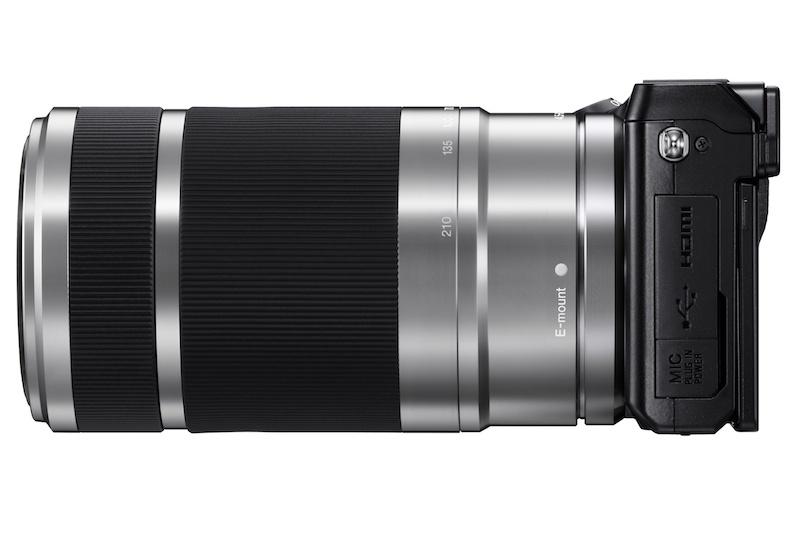 <b>E 55-210mm F4.5-6.3 OSS(10月中旬発売)装着例</b>