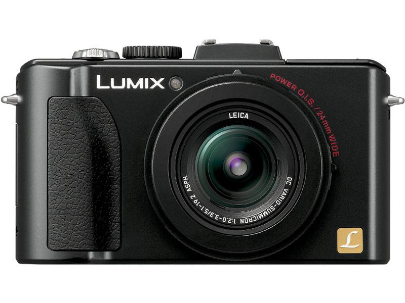<b>LUMIX DMC-LX5。発売は2010年8月。実勢価格は3万8,200円前後</b>