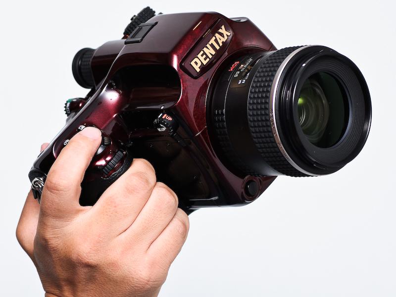 <b>645D japan。装着レンズは「D FA645 55mm F2.8 AL [IF] SDM AW」</b>