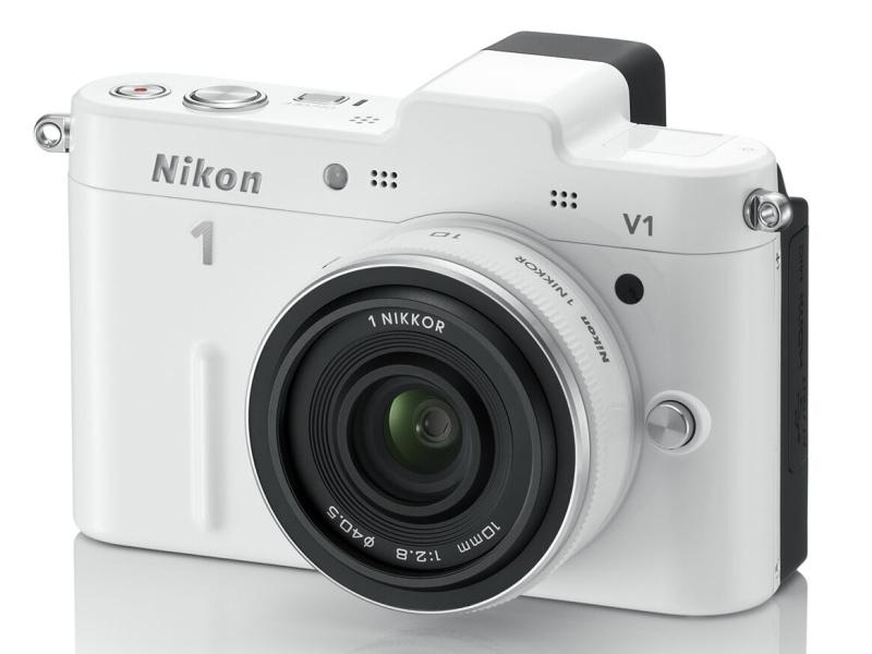 <b>Nikon 1 V1(ホワイト)レンズは「1 NIKKOR 10mm F2.8」</b>