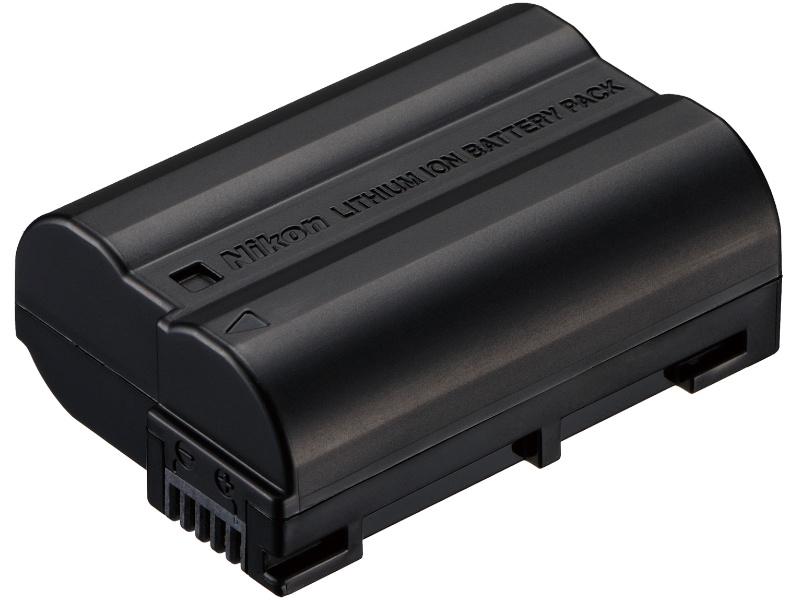 <b>バッテリーはEN-EL15。D7000と共用できる</b>