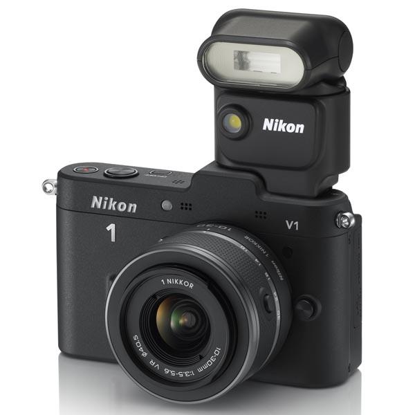 <b>Nikon 1 V1にスピードライトSB-N5を装着</b>
