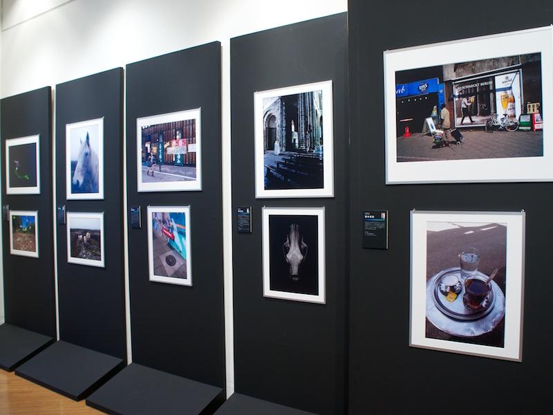 <b>9月18日まで開催されていた写真展「GRist34」の一部作品を会場で展示</b>
