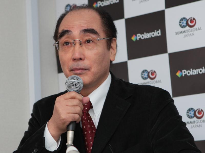 <b>サミット・グローバル・ジャパン取締役の小島佑介氏。オリンパスでデジタルカメラの開発に携わった後、コダック日本法人社長、フレクトロニクス日本法人社長などを歴任した</b>