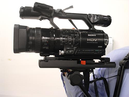 <b>カメラプレートアタッチメントの使用例</b>
