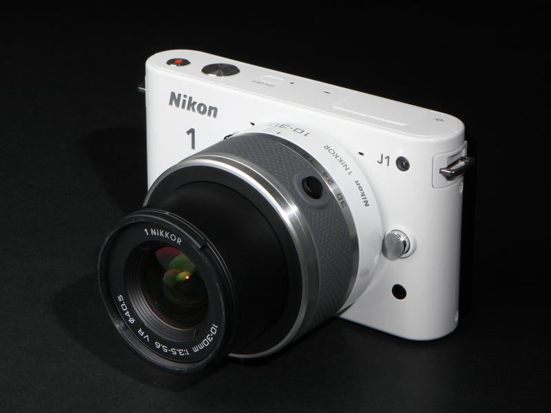 <b>1型:Nikon 1 J1</b>