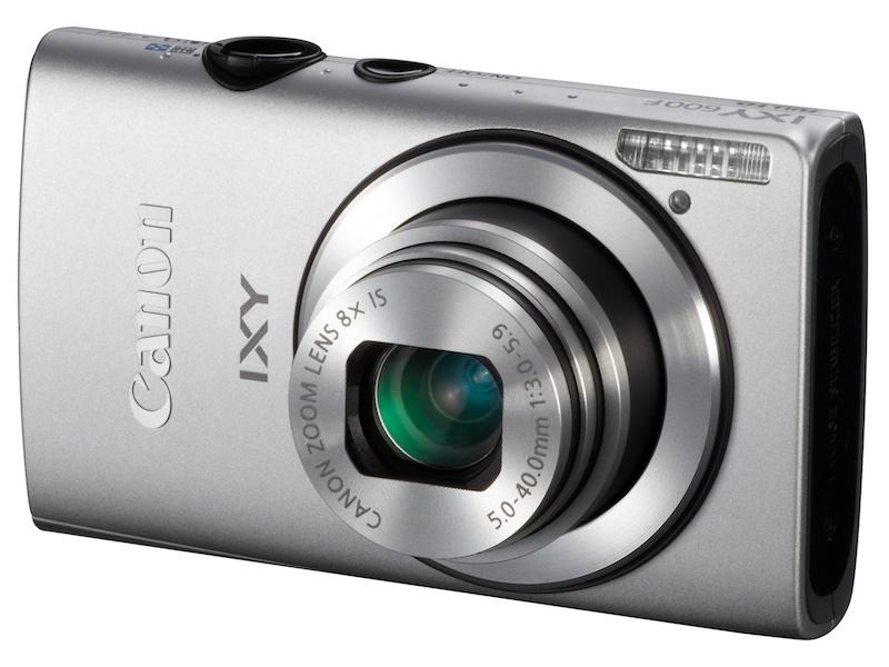<b>IXYシリーズも進化。写真のIXY 600Fなど薄型モデルの評価が高かった</b>