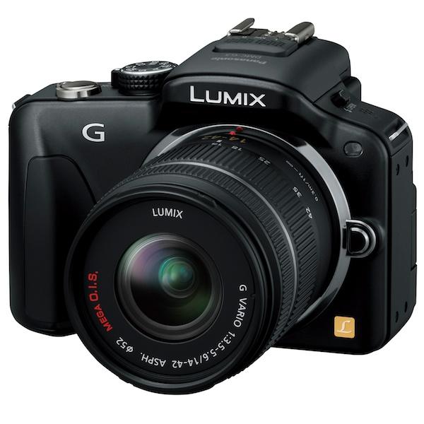 <b>内蔵EVF、タッチパネル式バリアングル液晶モニターなどを装備。LUMIX Gシリーズの王道を行くLUMIX DMC-G3。</b>