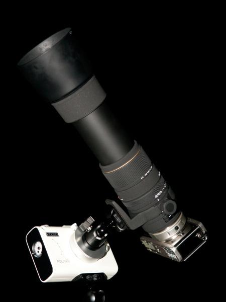 <b>OLYMPUS PEN E-P1にフォーサーズアダプターMMF-1+シグマAPO 135-400mm F4.5-5.6 DGを装着して「月追尾モード」で月を撮影してみた。35mm判換算800mm相当の超望遠撮影となる。月はとても明るいのでわざとF16まで絞り込み、シャッター速度1/30秒で撮影して「月追尾モード」のテスト。絞り込んでいるので回折による緩い描写となっているが、追尾はちゃんとなされているようだ。ちなみに月は800mmの超望遠撮影では1/125秒で撮影しても追尾しないと流れて写ることがある。(積載重量は1,748gでクリアしているが、望遠レンズの使用はメーカー推奨外なので参考程度にしてほしい)</b>