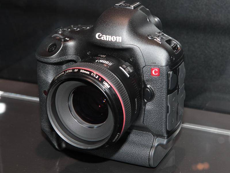 <b>キヤノンが2011年11月に解発発表した4K動画記録を実現するデジタル一眼レフカメラ</b>