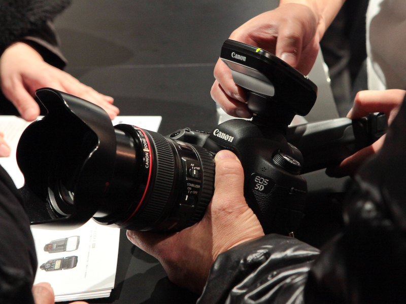 <b>新型ストロボ600EX-RTや電波通信対応多灯ストロボ制御ユニットST-E3-RTなども試せる</b>