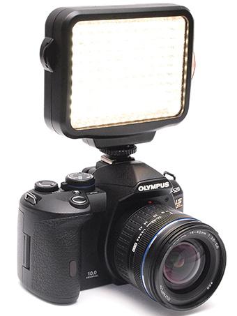 <b>カメラへの取り付け例</b>