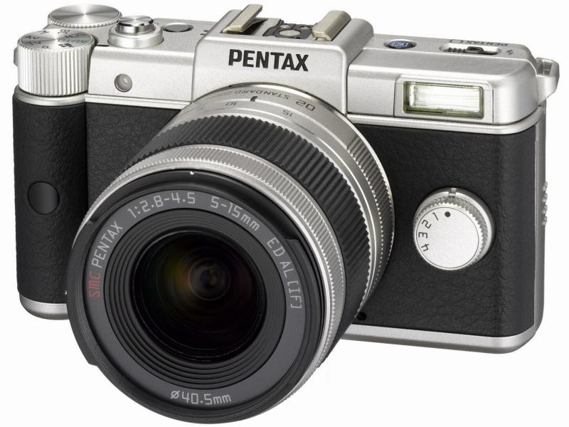 <b>小型軽量を追求したPENTAX Q(写真は3月16日に発売した1,600セット限定の「PENTAX Q Limited Silver」)</b>