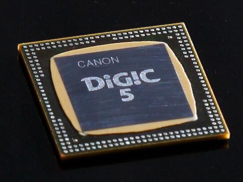 <b>大きく進化した画像処理エンジン「DIGIC 5」を搭載</b>