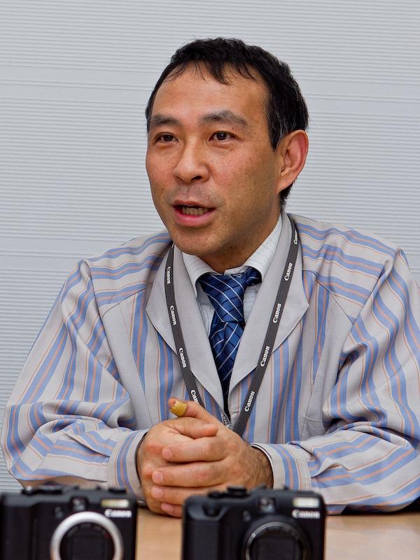 <b>開発チーフの和田宏之氏。「長い時間をかけてかなり細かい部分までこだわり、1つのカメラとして提供できるものができました」</b>