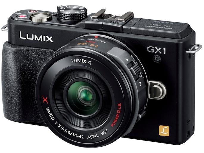 <b>LUMIX DMC-GX1。発売は2011年11月。ボディのみの実勢価格は3万7,800円前後</b>
