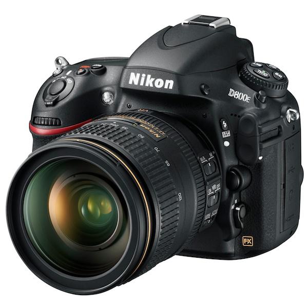 <b>推奨レンズの1つ「AF-S NIKKOR 24-120mm F4 G ED VR」を装着したD800E</b>
