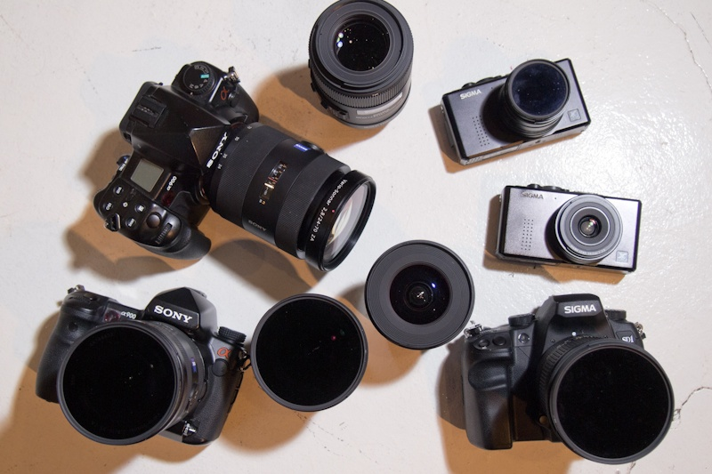 <b>現在のメインカメラはシグマのSD1、DP1、DP2シリーズ、そしてソニーα900など。いずれもたいていの場合は低感度・スローシャッターで撮ることが多いために、NDフィルターは必需品だ</b>