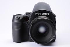 <b>PhaseOne 645DF(装着しているデジタルバックはIQ140)</b>