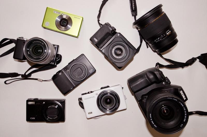 <b>シグマSD1やリコーGXR、オリンパスやペンタックスなどのコンパクトデジタルカメラ類。</b>