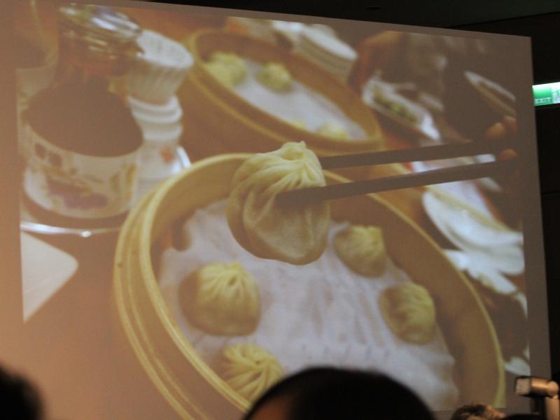 <b>「本当に美味しかった」という小籠包や空心菜の写真を紹介。空心菜は撮るのを忘れて食べてしまい、違う席のスタッフの料理を撮影したとか。一番のお目当てだった小籠包は忘れず撮れたとのこと</b>