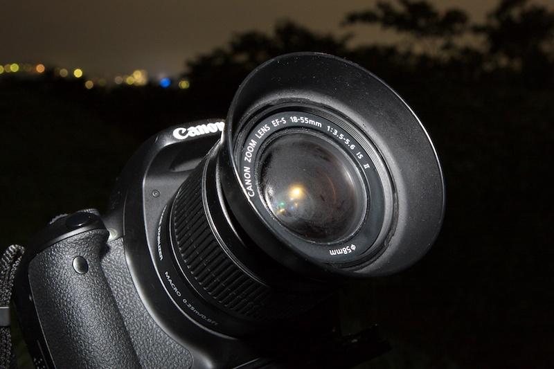 <b>夜露などでレンズが曇ってしまうと、画像の全体や部分的に不鮮明ににじんで写ってしまうので、こまめに確認しながら撮影しよう。</b>