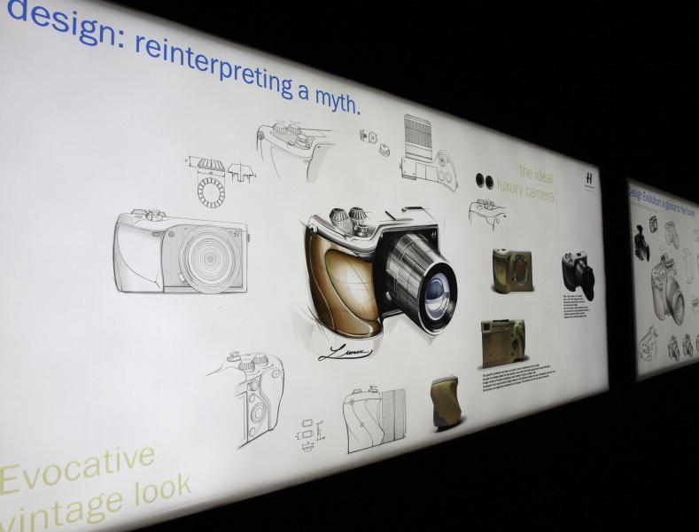 <b>Lunarのデザインに関するパネル展示</b>