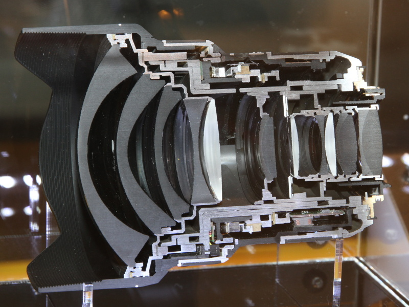 <b>「AF-S NIKKOR 14-24mm F2.8 G ED」のカットモデル</b>
