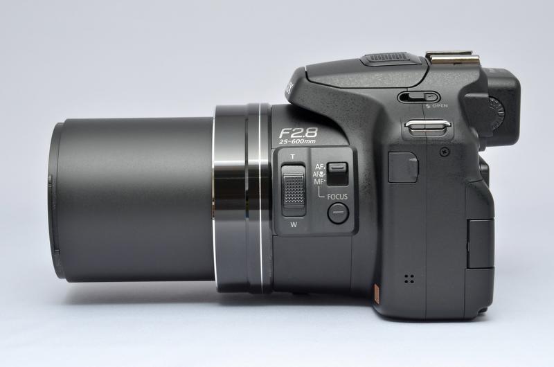<b>ズーム望遠端(600mm相当)時</b>