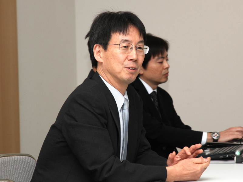 <b>メディカル事業ユニットの副本部長に就任する勝本徹氏(フォトキナ2012のラウンドテーブルで撮影)</b>