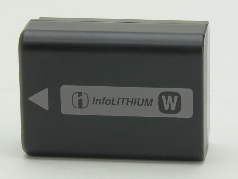 <b>バッテリーは「NP-FW50」</b>