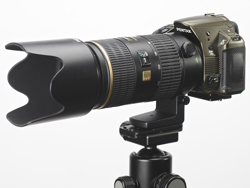<b>K-30に装着したDA★60-250mm F4 ED [IF] SDM</b>