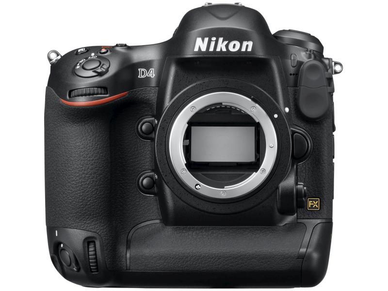 ニコンD4。「XQDメモリーカードスロットを初めて採用し、拡張感度ISO204800相当の超高感度撮影が可能な35mm判フルサイズ撮像素子を採用したデジタル一眼レフカメラ」
