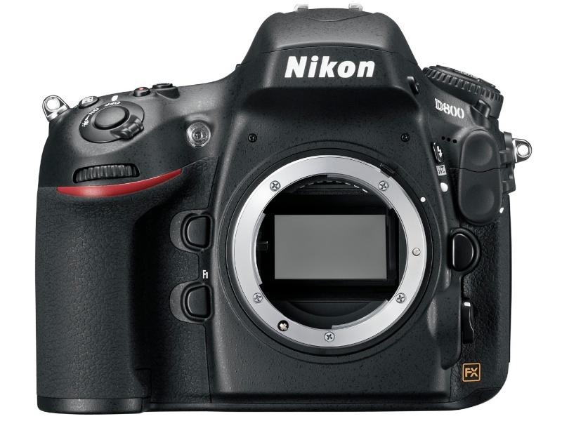 ニコンD800。「3630万画素の35mm判フルサイズ撮像素子を採用したデジタル一眼レフカメラ」