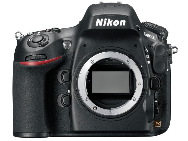 ニコンD800E。「ニコンD800をベースに光学ローパスフィルターの効果を打ち消して解像感を高めた機種」