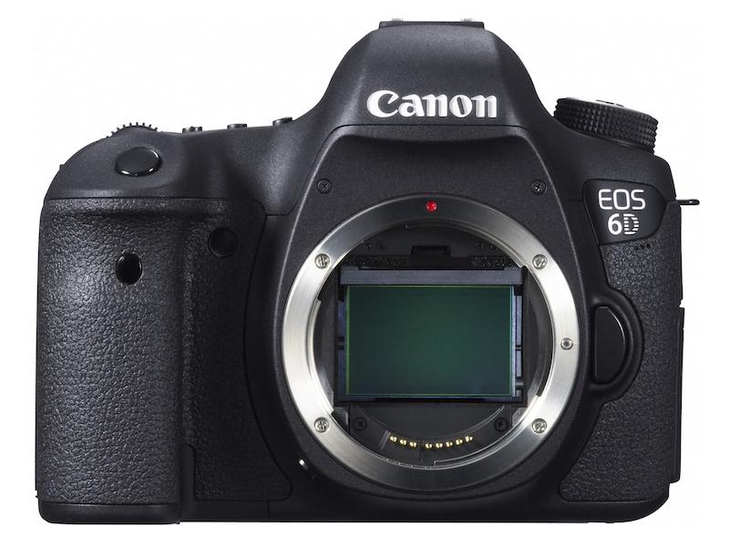 キヤノンEOS 6D。「GPS、Wi-Fi機能を初めて内蔵した、35mm判フルサイズ機で最小、最軽量のデジタル一眼レフカメラ」