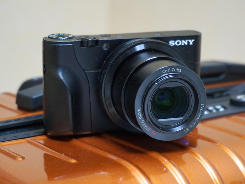 注意:Lensmate「SONY DSC-RX100専用 フィルタークイックチェンジアダプター」とRichard Franiec「SONY DSC-RX100カスタムグリップ」を装着しています