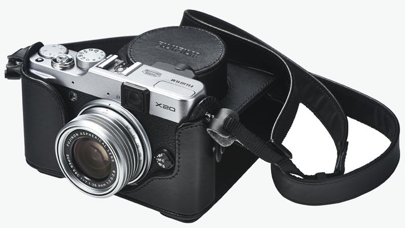 レザーケース「LC-X20」装着例