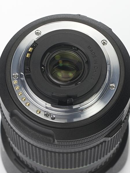 レンズマウントは、AFカプラーを持たないKAF3マウント。モーター内蔵レンズ非対応のカメラではMFに制限されるが、もちろんK-30では問題ない。