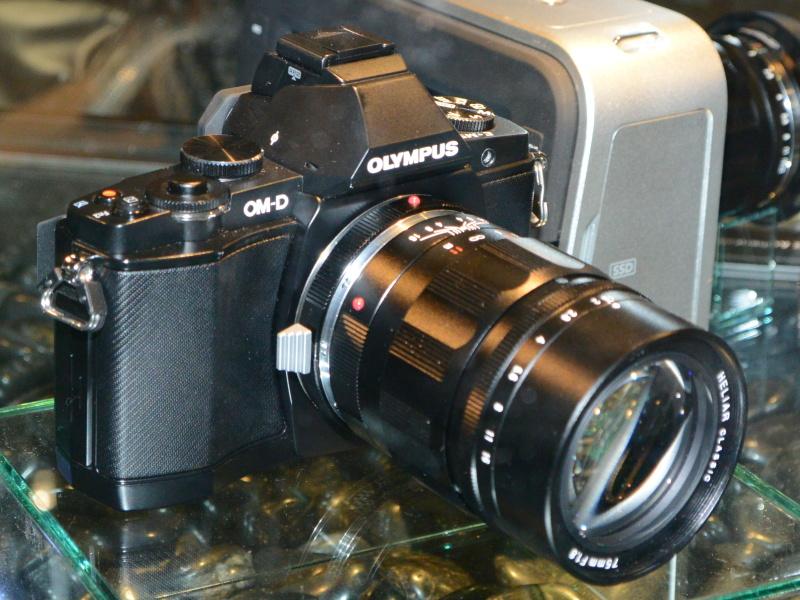 OLYMPUS OM-D E-M5+HELIAR classic 75mm F1.8
