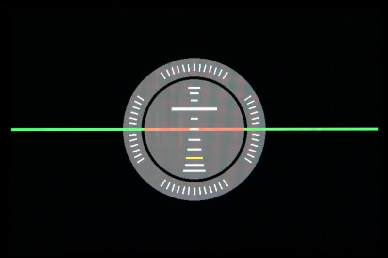 光学ファインダーでの撮影時に、電子水準器だけを液晶モニターに表示できる機種も。